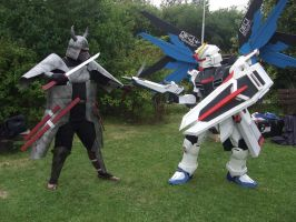Samurai vs Gundam cosplay by IkasuTaiki
