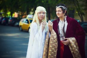 Galadriel and Elrond - cosplay ))) by Mellefuielle