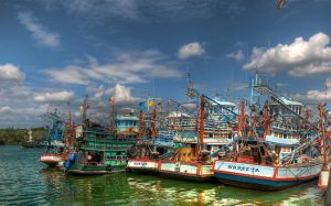 Thai Fishing Boats by tuebengtsson