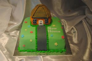 New home cake by starry-design-studio