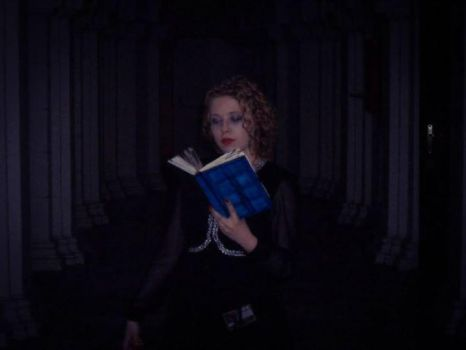 The Darkness in the Library (River Song Cosplay I) by Japonka606