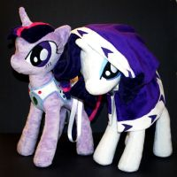 Twilight and Rarity Plush by Eveningarwen