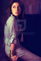 Mahira-Khan-wearing-the-classic-Printed-Janitor-Ju by 24xentertainment