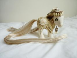 custom mlp Golden henna 6 by thebluemaiden