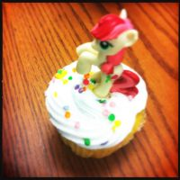 Pony on my Cupcake by ZandyPop