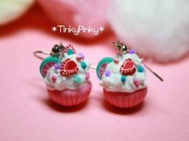 pink cupcake earrings by tinkypinky