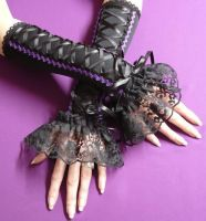 Vampire Armwarmers :P by Estylissimo