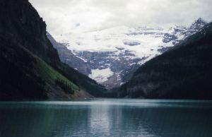 Lake Louise by tiganesc