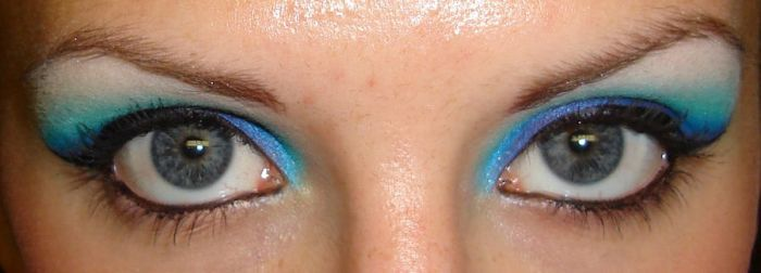 My Eyes are Blue II by EleeceFace