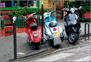 Do.You.Know.About.Vespas. by FadeIn