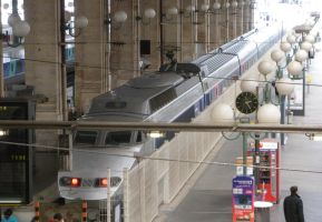 TGV 7550 at Paris Gare du Nord by rlkitterman