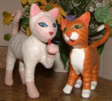 2 Sculpted Kitty Cats by Soniafm1027