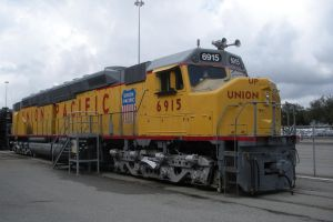 Union Pacific Centennial 6915 by rlkitterman