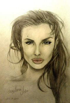 Angelina Jolie by iLhuy