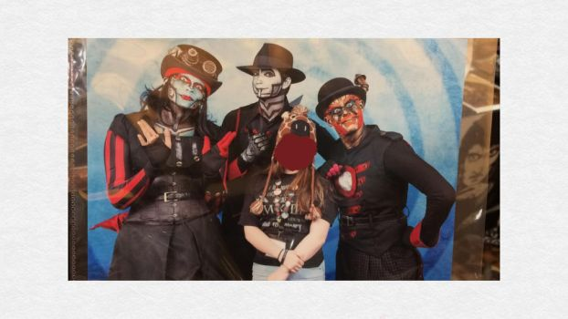 SO I GOT A PHOTO WITH THE BAND by SteampunkMaster