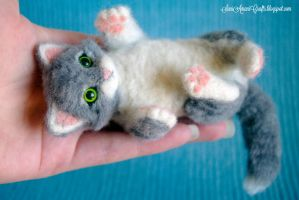 Needle felting - Grey Kitten by SaniAmaniCrafts