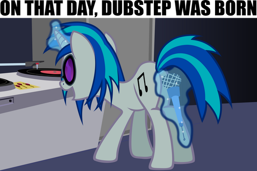 Meanwhile, at the DJ Pon-3 concert... by Astringe