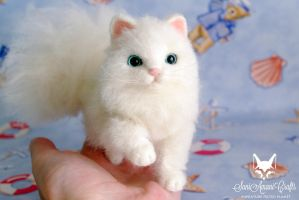 White kitty II by SaniAmaniCrafts