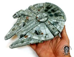 Millennium Falcon by AlessandroBruschi