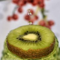 Kiwi and water drops by FrancescaDelfino