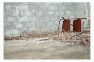 abandoned chair by twinkleaira