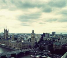 London by Iulia-Oprinesc