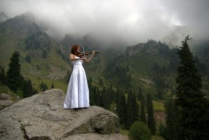 High-mountain violinist by voldemometr