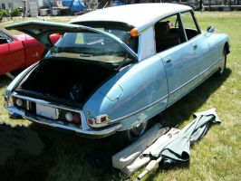Citroen DS21 at the winery by RoadTripDog