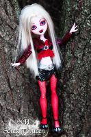 Draculaura Tree Beauty by KittRen