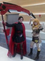 Ruby and Yang cosplay  Ikasucon by Broken-Sights