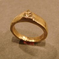 Triforce Ring view 2 by bornahorse