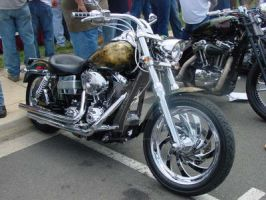 CB Rally: Razor blades aflame by GleamingGrin