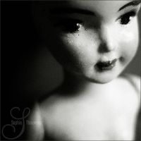 little girl by prismes