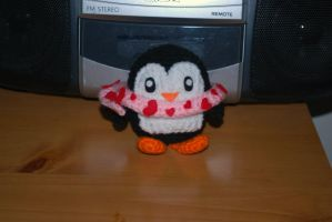 Penguin with Scarf by craftyhanako