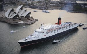 QE2 in Sydney by lusitania25