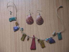 hanger and clam earrings by enenauta