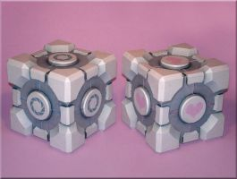 Weighted Cubes Papercraft by Skele-kitty