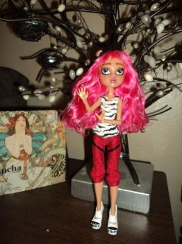 OOAK Monster High Repaint: Howleen 2 by jlaynaeb