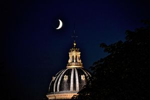 Parisian Dome by moonlight by artamusica