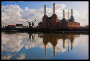 Battersea Power Station 2 by vortxbr