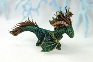 Dark green little dragon by hontor