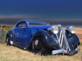 Citroen Traction coupe by RedHotTiki