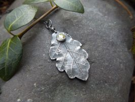 Quercus - Oak Leaf with Light Green Peridot CZ by QuintessentialArts