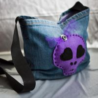 Cutesy Skull Bag by zzombiegirl