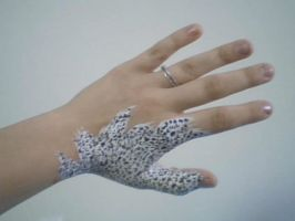 Hand-Snow Leopard2 by ihamstergirl