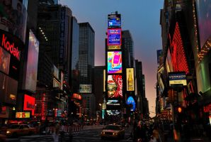 Dusk in Times Square by ilcic