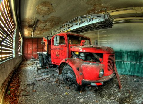abandoned fire truck by AHarga