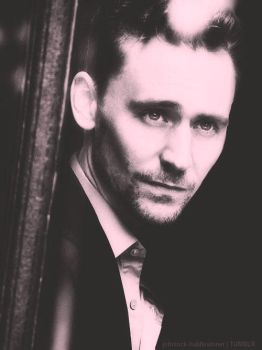 Tom Hiddleston   Cuanta maldita perfeccion  Ed by MoniiQuita