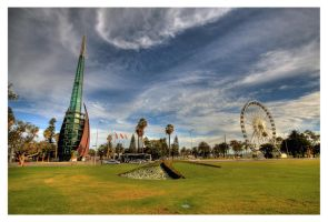 - perth bell tower and wheel - by robertodecampos