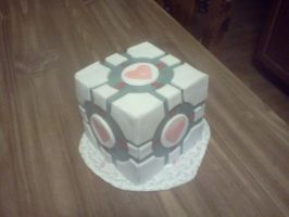 Companion Cube Cake by sicknpsyko